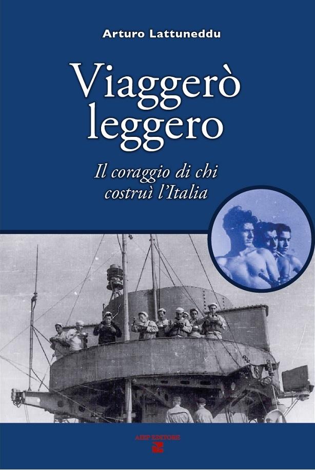Marinai sul ponte dell'incrociatore Montecuccoli